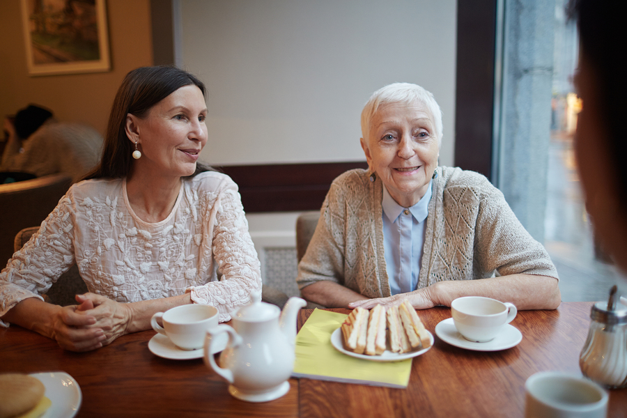 Elder Care in Robbinsville NJ: ETips for Eating Out with Parkinson's